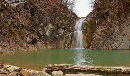 Тетевен и водопад